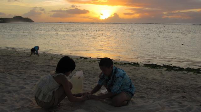 グアム砂遊び.JPGのサムネール画像