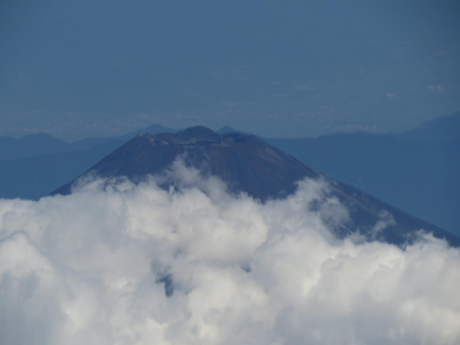 富士山頂アップ雲.JPG