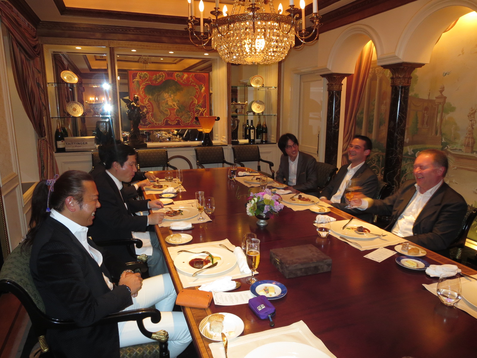 ビクターズ晩餐2.JPG